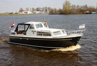 http://www.yachtcharterwetterwille.de/uploads/images/schepen-klein/melissa.jpg