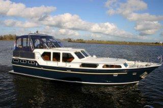 http://www.yachtcharterwetterwille.de/uploads/images/schepen-klein/rubicon__17_.JPG