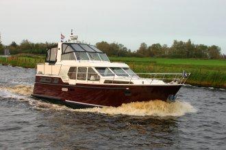 http://www.yachtcharterwetterwille.de/uploads/images/schepen-klein/smelne_1180_mayenne__9__1.JPG