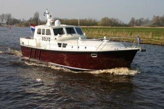 http://www.yachtcharterwetterwille.de/uploads/images/schepen-klein/solyd__6_.JPG