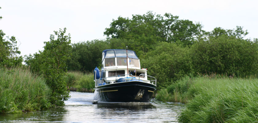 yachtcharter wetterwille hausboot holland. Black Bedroom Furniture Sets. Home Design Ideas
